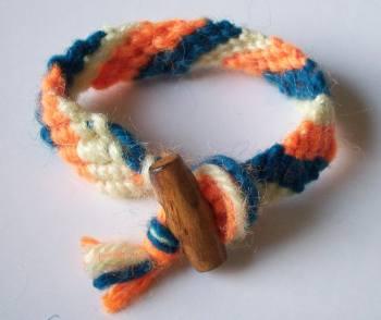 Bracciale dell amicizia for Nodo invisibile per unire due fili di lana